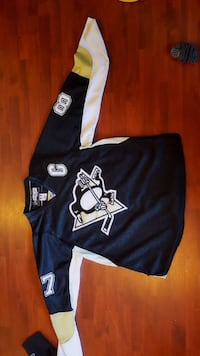 black and white penguins print jersey shirt