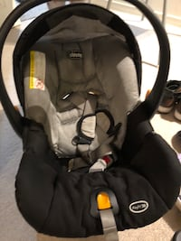 Baby car seat (Chicco) Milton, L9T 7T1