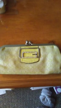 Authentic Guess clutch purse (old)  Fort Erie, L2A 6H3