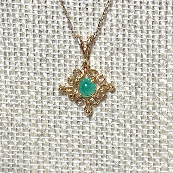Genuine 14k Yellow Gold Apple Green Jade Pendant with 14k Chain 393f074a-d904-47a1-a150-3304d763539c