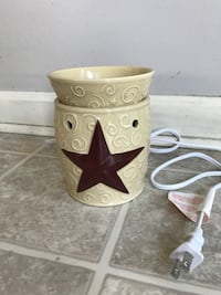 Scentsy Wax Warmer - Discontinued and Barely Used La Grange, 40031