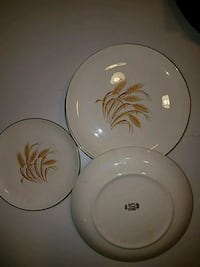 Golden Wheat 22 k GOLD oven proof plates