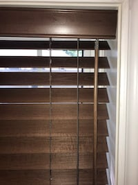 Horizontal wood blinds, color dark walnut Bois-des-Filion, J6Z
