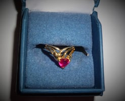 10kt Gold Ruby Heart Ring