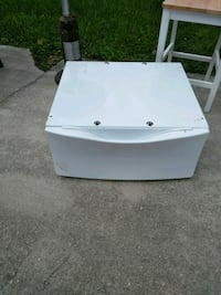white front-load clothes dryer Port St. Lucie, 34953