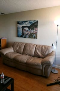 Leather couch Simi Valley, 93063