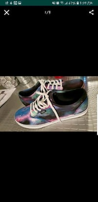 pair of black-and-purple sneakers Moreno Valley, 92555
