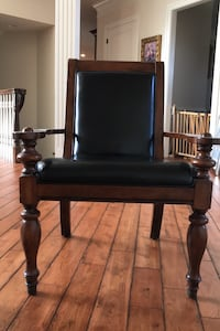 Leather arm chair Chantilly, 20152