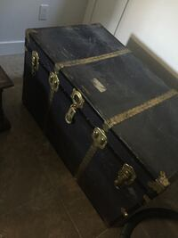 Antique steamer trunk Surrey, V3W