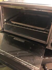 Toaster oven. Black and decker