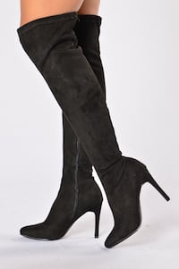 Black knee high boots Newmarket, L3Y 5W7