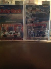 Two assorted color die cast car scale models Chesapeake, 23325