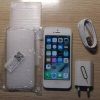 white iPhone 5 with charger and clear case Washington