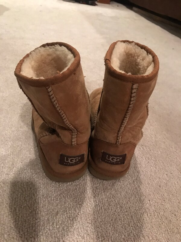 32d6e90d1c6 Used Chestnut uggs size 4 for sale in Fair Lawn - letgo