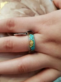 Novelty resin & wood Ring. Turquoise & Gold Foil insided. Size 11 London, N6C 4W2