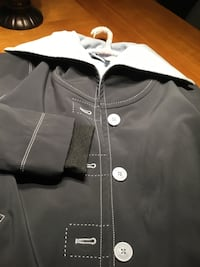 Black and white zip-up jacket Laval, H7T 0G9