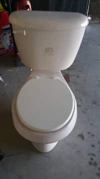 Used TOTO SS113#01 Transitional Soft Close Round Toilet for