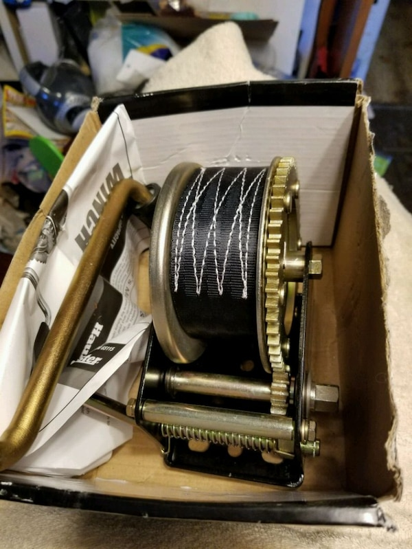 Trailer strap winch, new ca743700-5178-4a12-acf8-be9267bfc03d