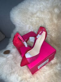 New .... BRAND NEW , Two toned/colour block heels. Size 9.. Toronto, M6C 2M1