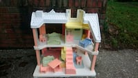 Lovely Dollhouse with Furniture  Bethesda, 20814