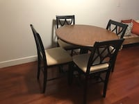 Dinning room set ( bar height table and 4 chairs) Baltimore, 21230