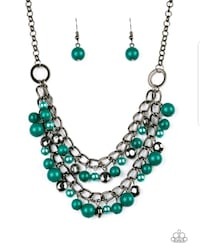 green and silver beaded necklace 59 km