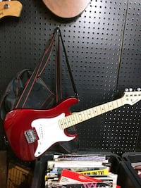 red and white electric guitar Middletown, 17057