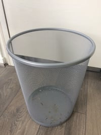 round gray metal container with lid Arlington, 22209