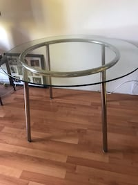 Glass Top Round dining table Coquitlam, V3B 6J5