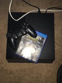 PS4 ( cheap ) with games and controller Rio Rancho, 87144