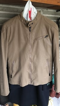 brown leather zip-up jacket Oxford, 06478