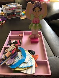 Magnet doll with 6 outfits and accessories El Paso, 79912