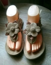 Beige and Brown Sandals Size 7 Bell Gardens, 90201