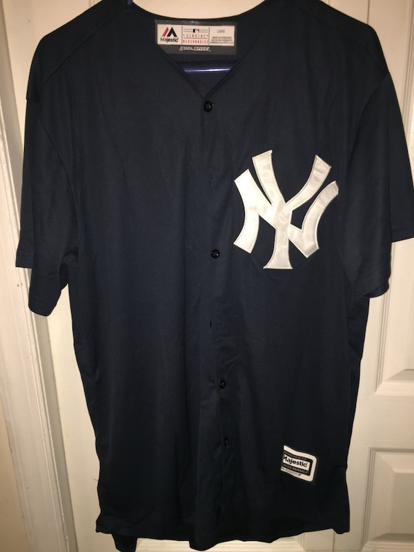 Used black and white New York Yankees jersey for sale in Union City - letgo a4b96d55cd1