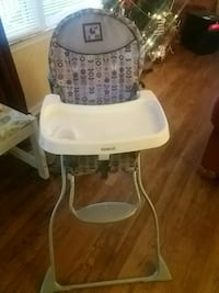 Cosco High Chair  516 mi