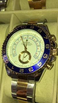 round silver-colored Invicta chronograph watch with link bracelet Brampton, L6T