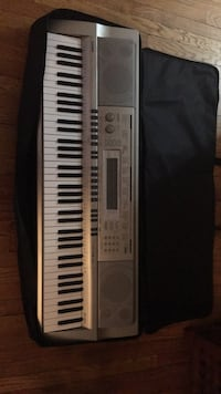 76 key board with carrying case.