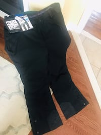 Brand new women's snow pants in Large! Tags still attached. $20 or best offer! Mississauga