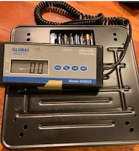 Global Industrial Bench Scale with Remote Display, 400 lbs Capacity