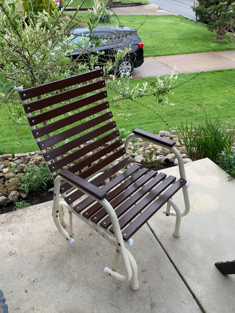Photo Pick up today vintage glider patio chair in excellent condition