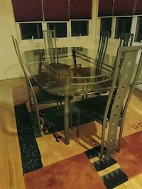 table chairs great condition moving must go East Meadow, 11554