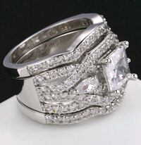 $20 NEW sz 7 or 8 silver plated CZ ring set  Ballwin, 63021