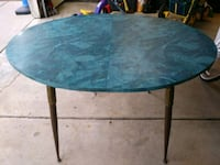 Vintage dining room table South Lyon, 48178