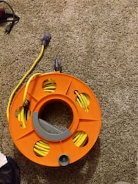 100ft outdoor extension cord with lighted plugs and hand reel