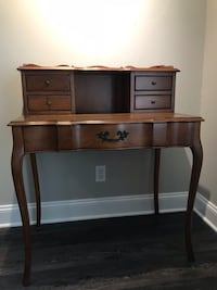 Wooden Writing Desk Fountain Valley, 92708