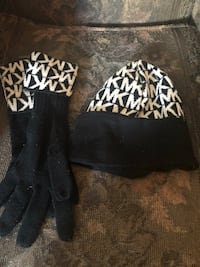 Micheal Kors hat and gloves Toronto, M6H 1K2
