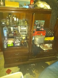Cabinet 2 glass shelves,and coke items separate!