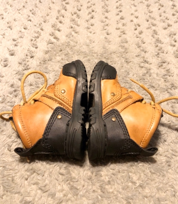 Baby polo duck boots paid $68 size 6.5 Great condition Brown 5ac9342b-37b3-402a-8341-7da3893e683c