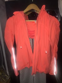 Woman's Lulu lemon jacket Calgary, T3J