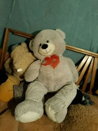 white and brown bear plush toy Cadillac, 49601